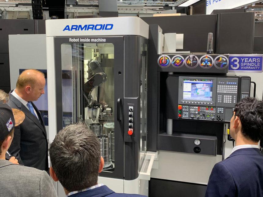 Okuma ha presentado en la EMO 2019 dos nuevos sistemas de automatización accesibles para empresas de varios tamaños
