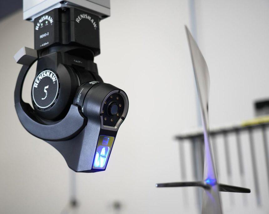 Renishaw anuncia el lanzamiento de la nueva sonda para medición sin contacto mediante luz estructurada para el sistema multi-sensor REVO®