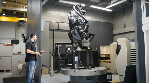 El Centro de Fabricación Avanzada Aeronáutica (CFAA) y Tecnocim han conseguido generar un entorno virtual de programación y simulación perfecto para células robotizadas