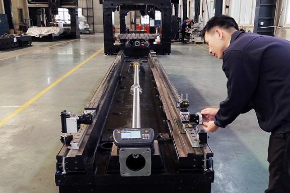 TAKAM utiliza el sistema XK10 para garantizar la precisión de ensamblaje de las Máquinas-Herramienta