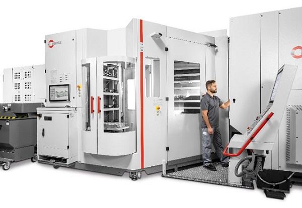 Flexibilidad al cuadrado – El sistema de robotizado  RS 1 para la manipulación completamente automatizada de palets y piezas