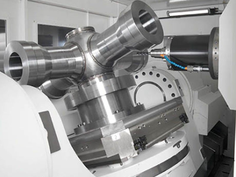5 ejes simultáneos: mecanizado para fabricantes de vanguardia